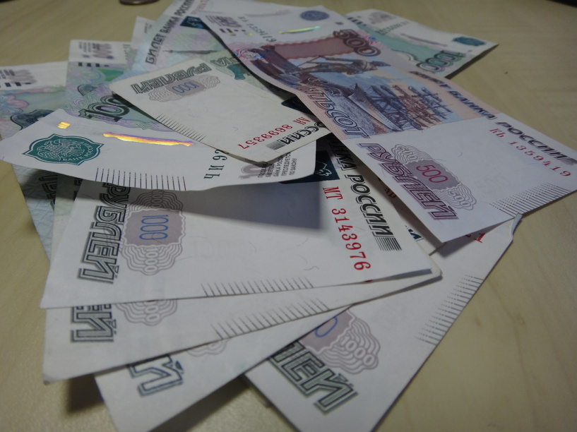 Начальница почтового отделения тратила деньги из кассы на собственные нужды