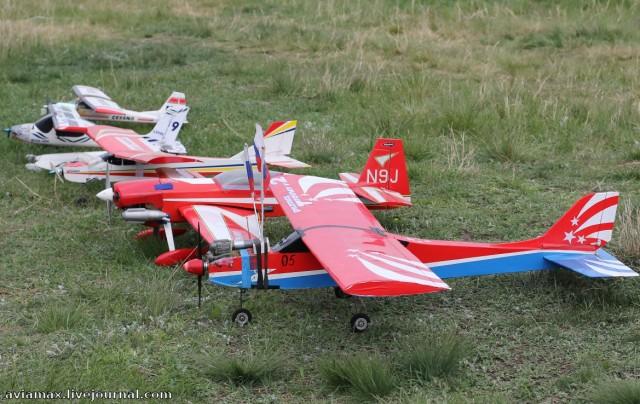 В Уварово запустили в небо радиоуправляемые самолётики