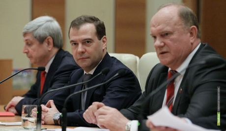 Эсеры и коммунисты не поддержат Медведева на пост премьера