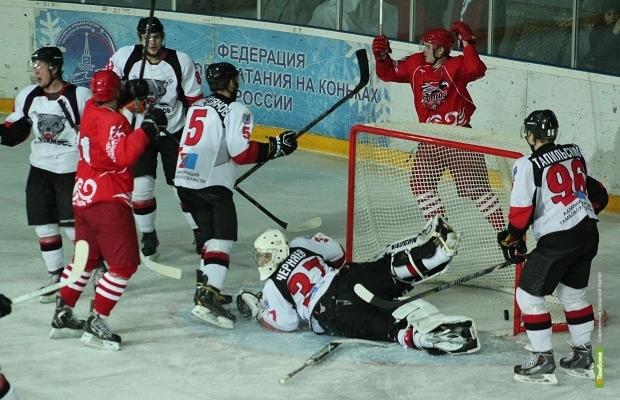 Тамбовские хоккеисты уступили ростовчанам в обеих играх