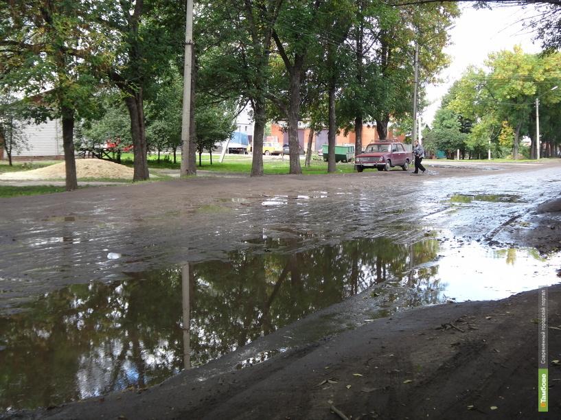 Дорога на улицах Воронежской и Елецкой ремонта так и не дождется