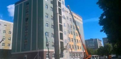 Губернатор потребовал ускорить темпы строительства перинатального центра