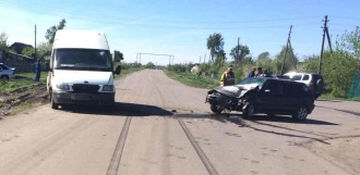 В результате столкновения иномарок в Знаменском районе пострадали два человека