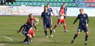 Ничья: футбольным клубам «Тамбов» и «Нефтехимик» удалось забить по одному мячу