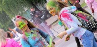 Фестиваль «Краски России» стал ярким моментом празднования Дня молодёжи в Уварово
