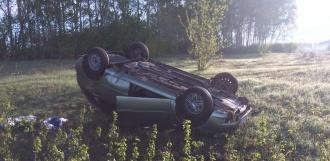 На трассе под Тамбовом перевернулся легковой автомобиль