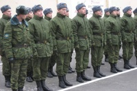 В День Победы военные научатся носить форму от Юдашкина