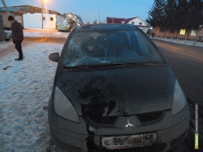 В Красненьком пешеход угодил под колёса иномарки