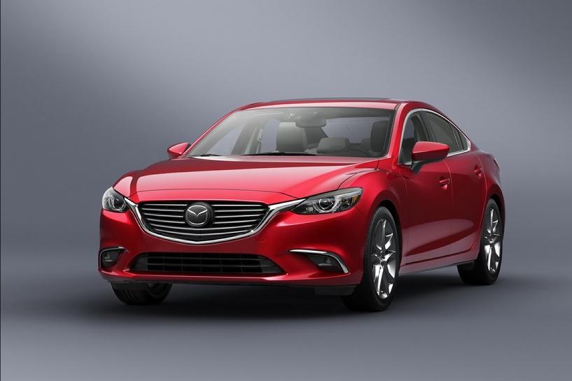 Гуманная инфляция: Mazda везет к нам две новинки с минимальной наценкой