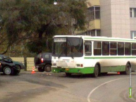 В Тамбове легковушка не уступила дорогу автобусу