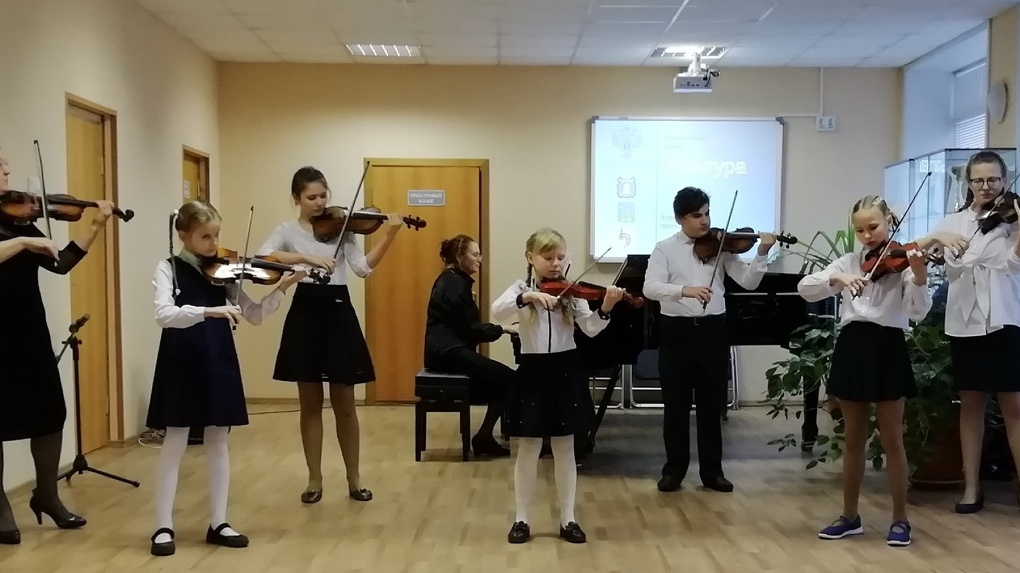 Тамбовская школа искусств получила рояль, изготовленный по ее заказу