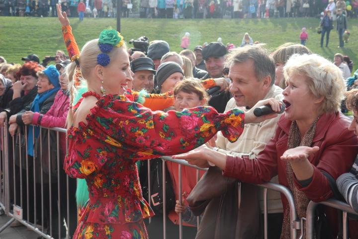 Мы там были: весело, задорно – музыка на Покровской ярмарке