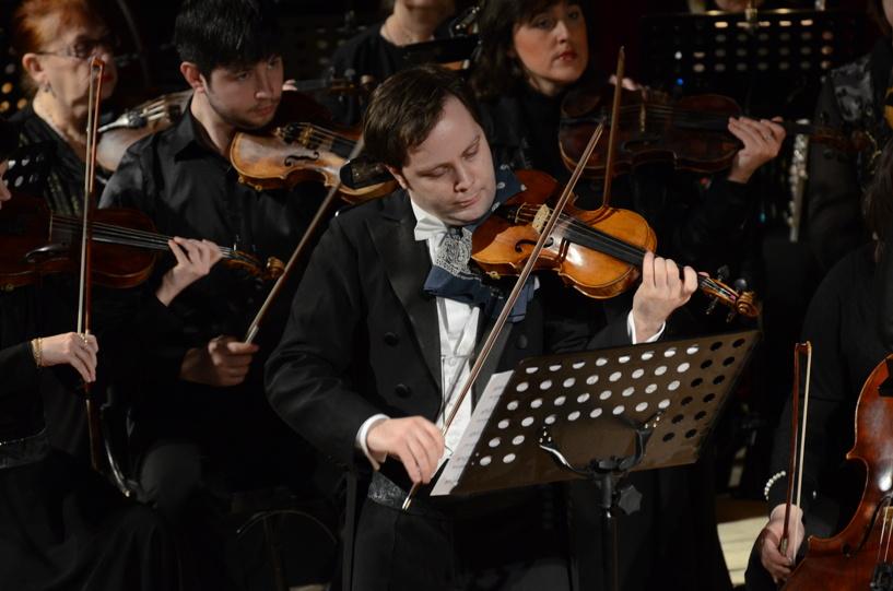 В Тамбове выступил московский скрипач и по совместительству дирижёр