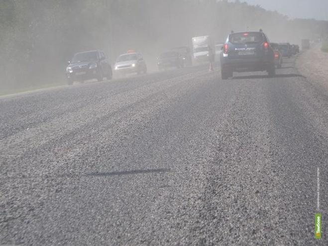 Тамбовские автомобилисты продолжают страдать от «летающего» щебня