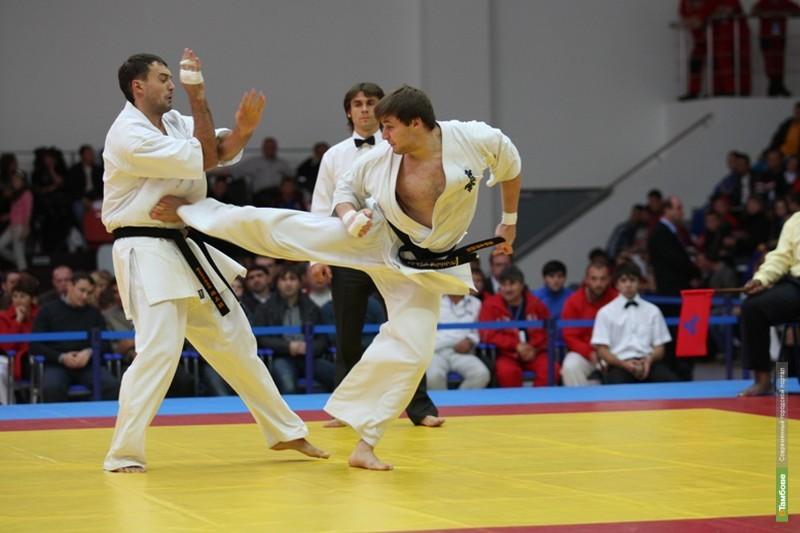Тамбовские каратисты вернулись с чемпионата России с золотыми медалями