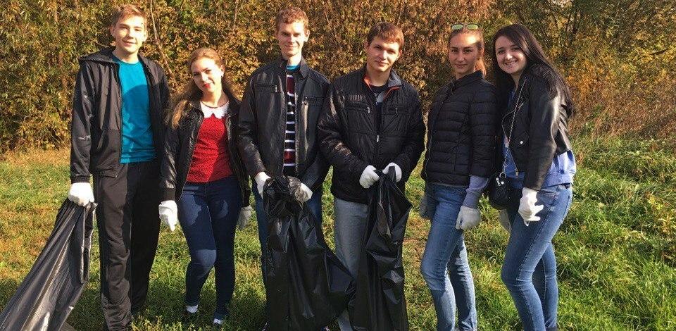 Волонтеры Тамбовского филиала РАНХиГС вышли на общегородской субботник