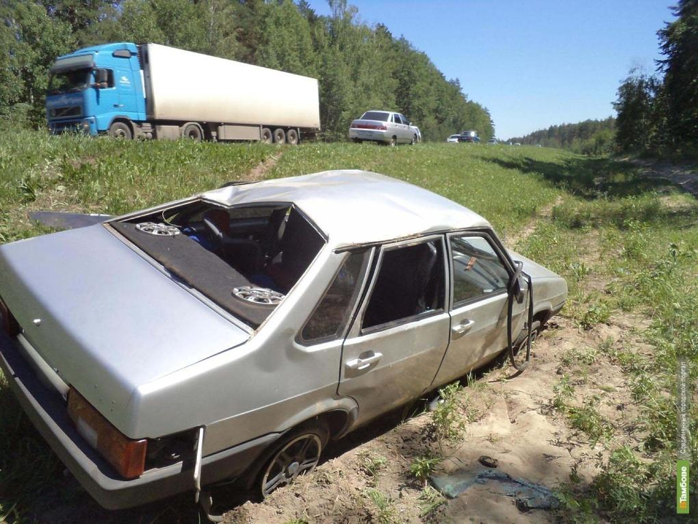 Под Тамбовом опрокинулась машина вместе с двумя детьми