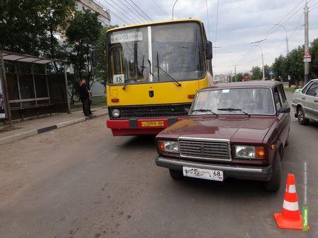 В Тамбове в ДТП попал рейсовый автобус