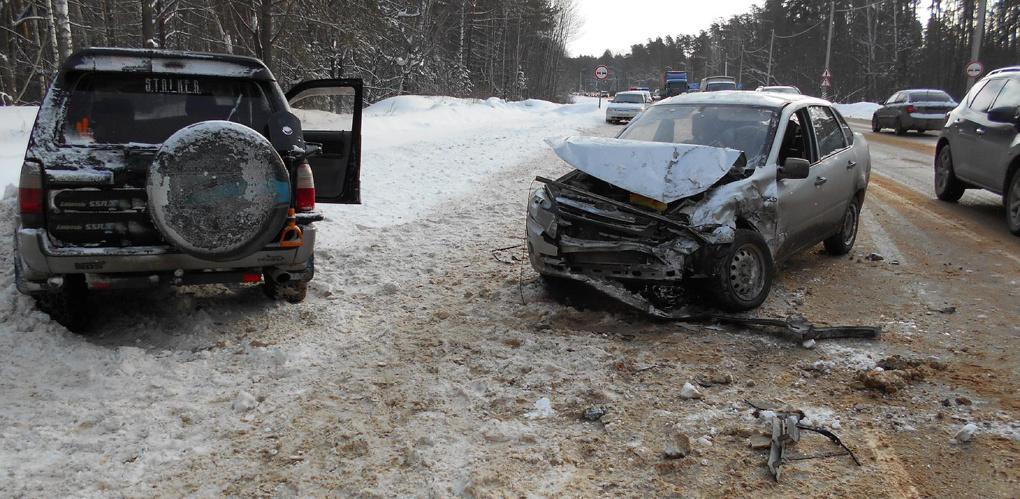 Toyota столкнулась с Lada Granta на трассе Тамбов-Пенза