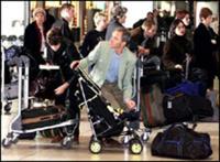 Британка разделась в аэропорту в знак протеста