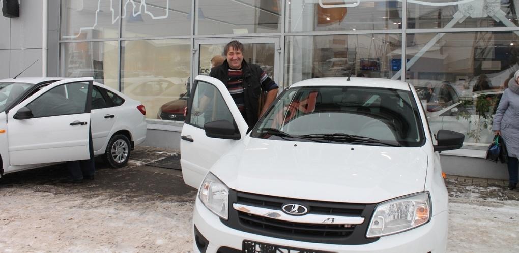 Тамбовчанам, пострадавшим на производстве, вручат новенькие авто