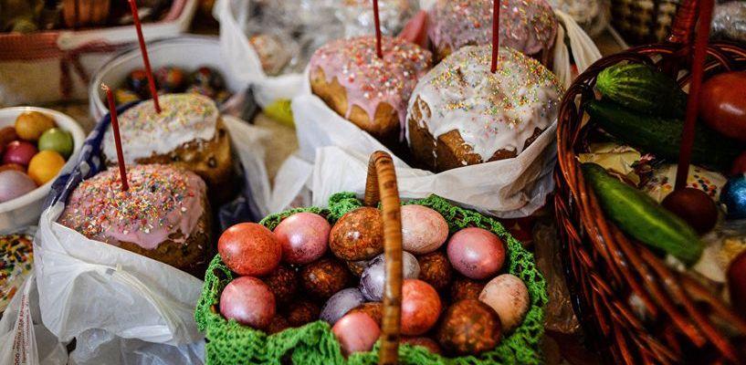 Роспотребнадзор поделился секретами выбора куличей, яиц и творога