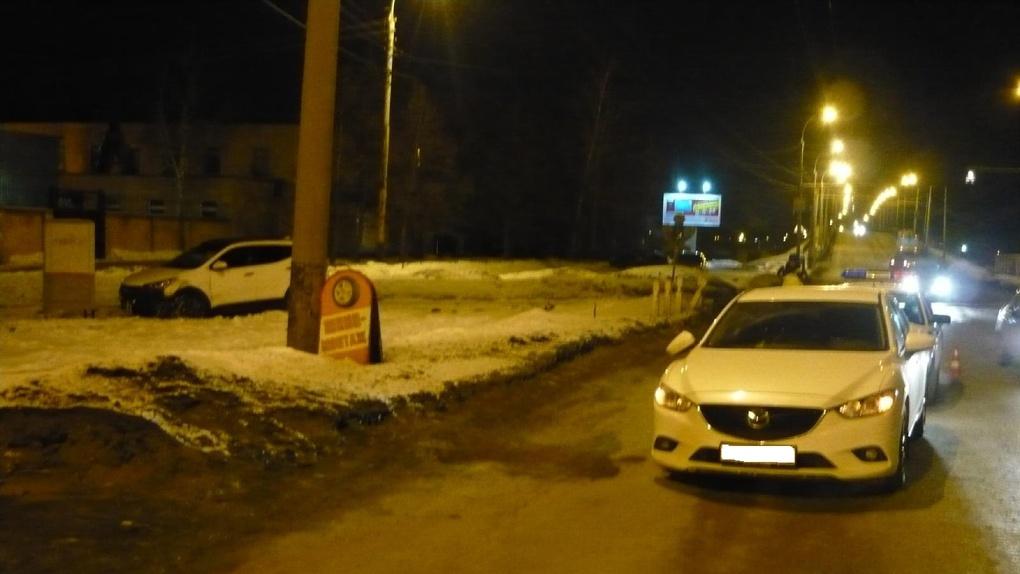 На Астраханской столкнулись две иномарки