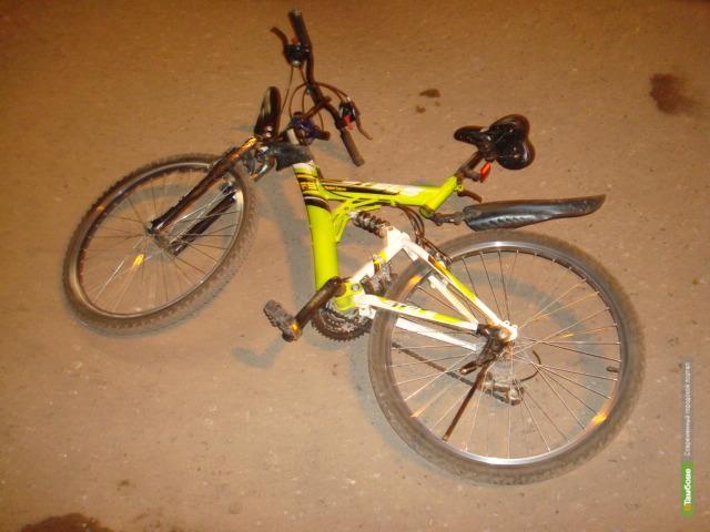 Тамбовчанин на мотоцикле сбил двух школьниц на велосипеде