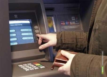 Тамбовчанка без спроса «попользовалась» чужой банковской картой
