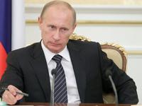 Путин пообещал достойную зарплату врачам и большую пенсию россиянам