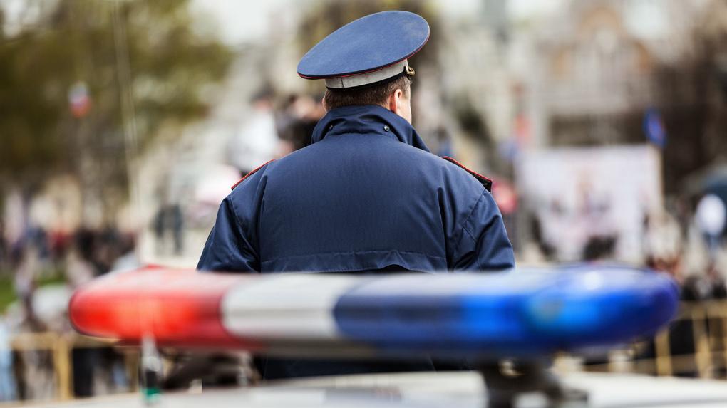 В Знаменском районе опрокинулся автомобиль: водитель не справился с управлением