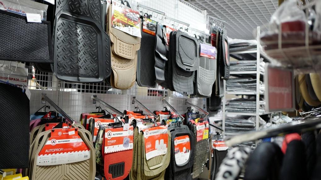 Набор автомобилиста и пылесос: эксперты выяснили, какие автоаксессуары покупают чаще всего