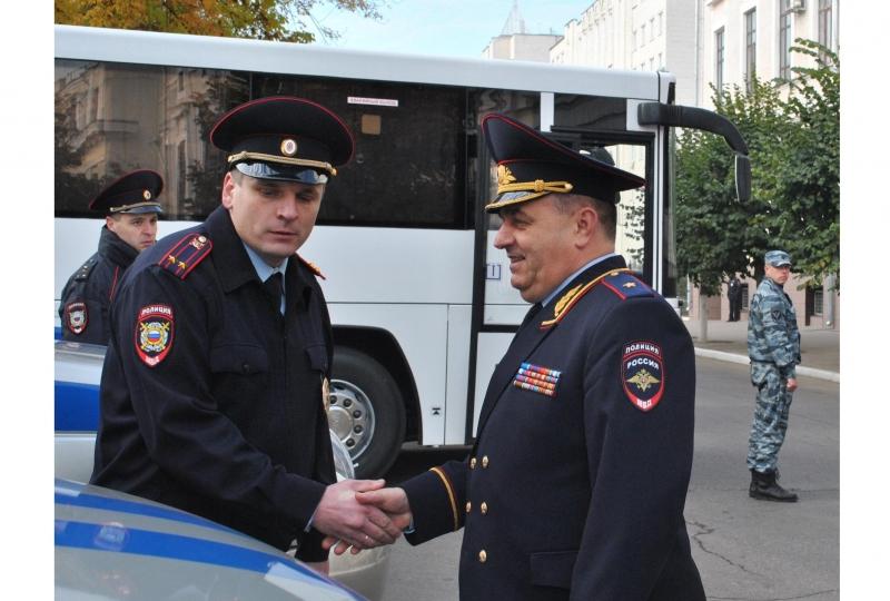 Тамбовским полицейским вручили новые автомобили