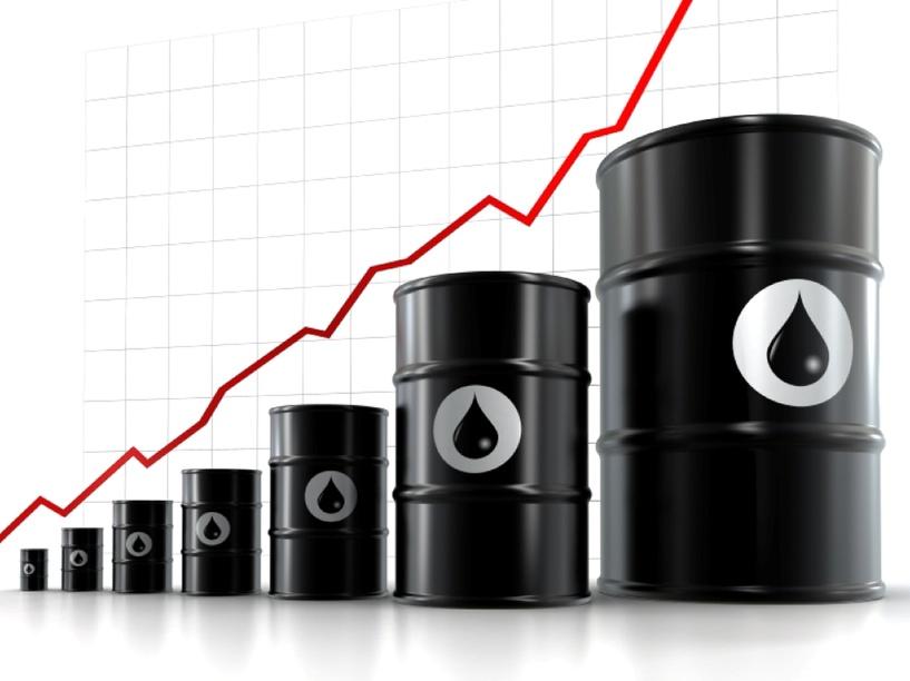 Нефть резко подскочила в цене за две недели, побив 17-летний рекорд