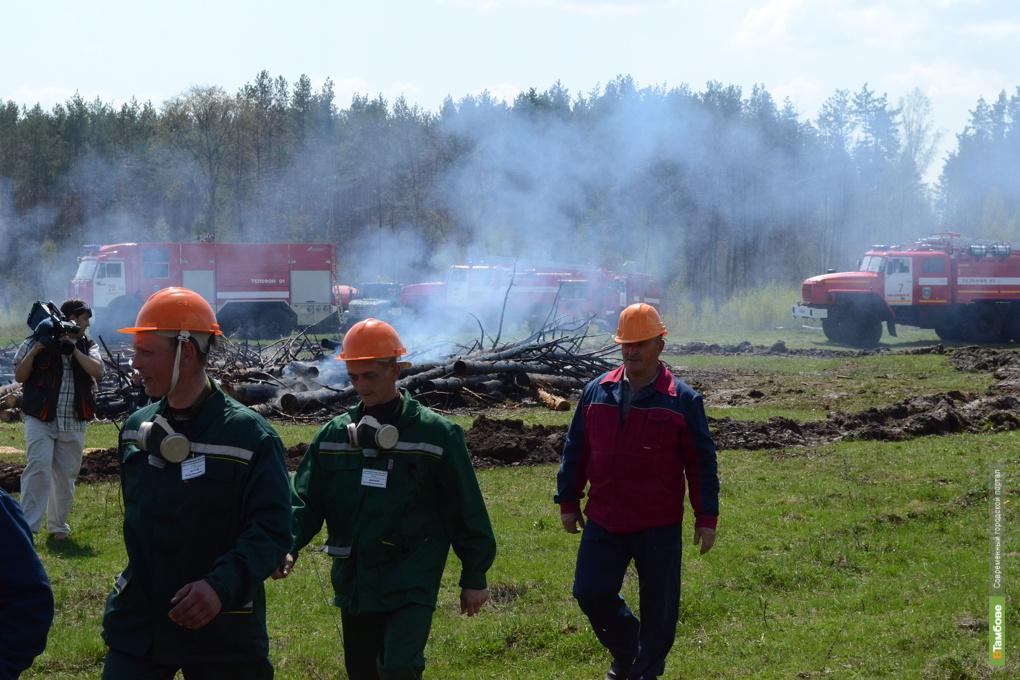Сено и сараи не дают отдыхать тамбовским пожарным