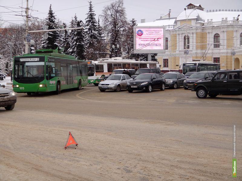 В центре Тамбова случился троллейбусный затор