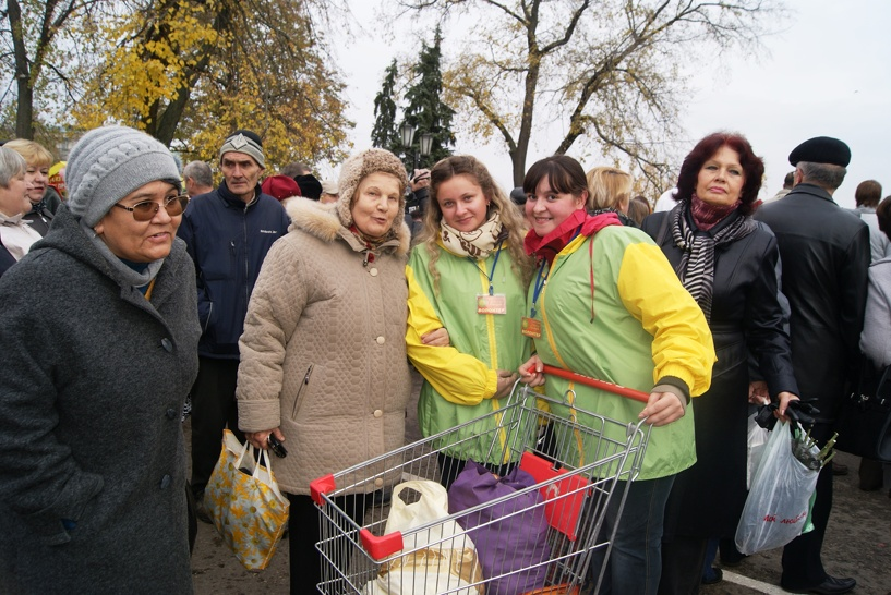 Волонтеры помогут донести тамбовчанам их ярмарочные покупки
