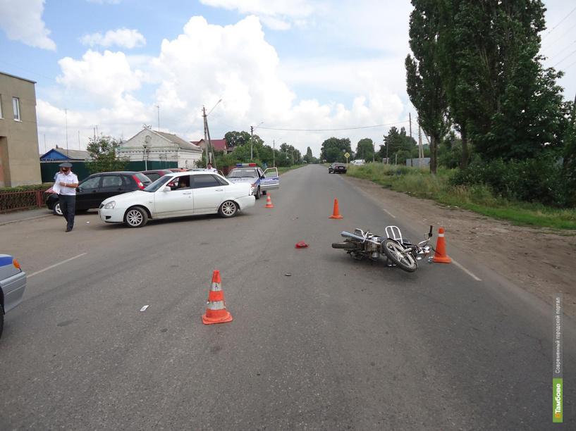 В Рассказово 12-летнего скутериста сбила машина