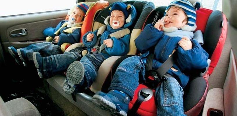 Запрещается перевозить детей в возрасте младше 12 лет на заднем сиденье мотоцикла.