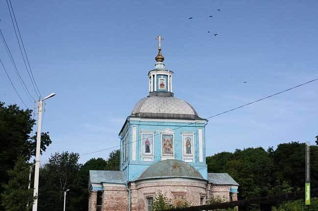 В Мичуринске восстанавливают колокольню кладбищенского храма
