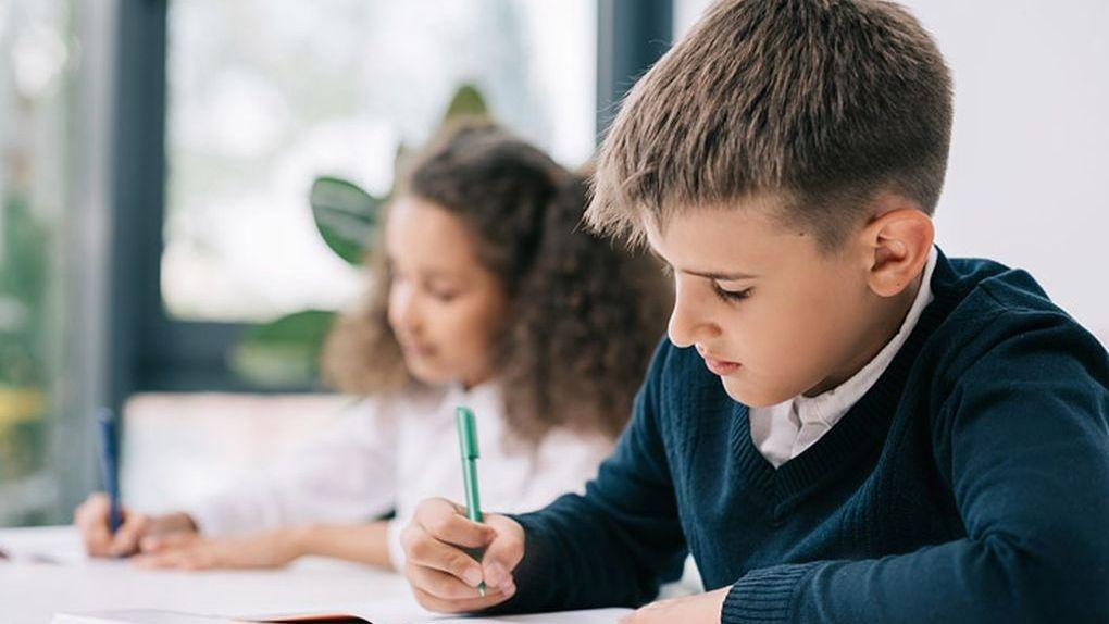 Откачать перебравшего одноклассника: чему хотят учить на ОБЖ