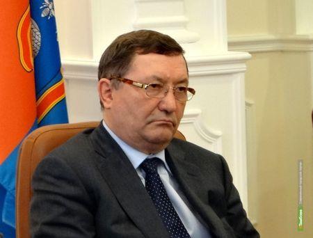 Губернатор Олег Бетин заложил свой рабочий кабинет в банке
