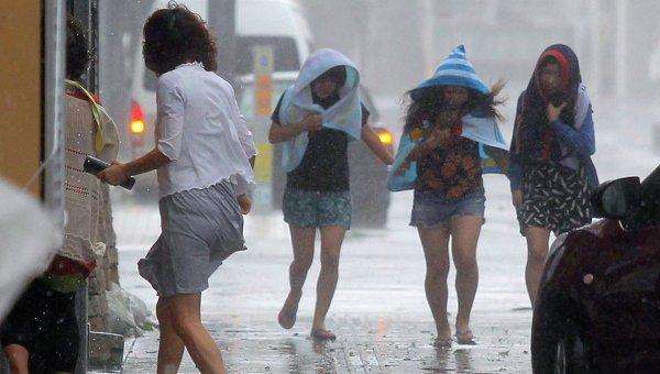 В Японии эвакуируют сотни тысяч человек из-за тайфуна «Неогури»