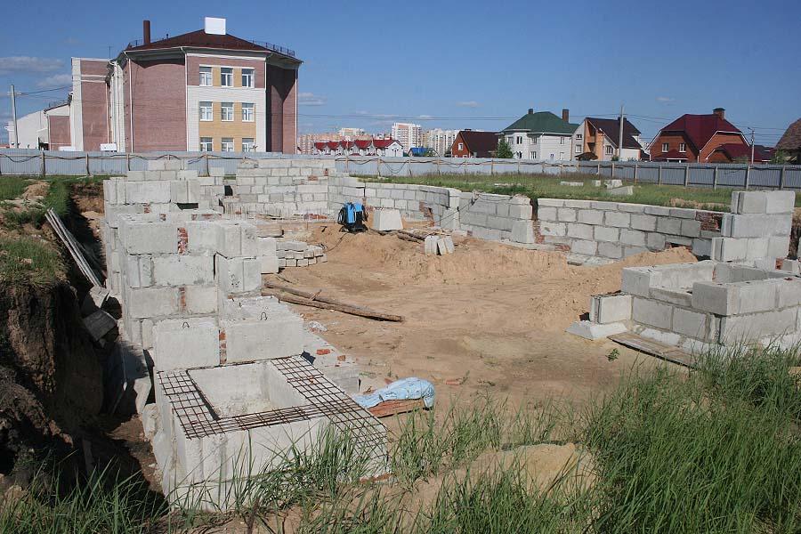 Выделенных из бюджета денег не хватает на строительство школы Сколково