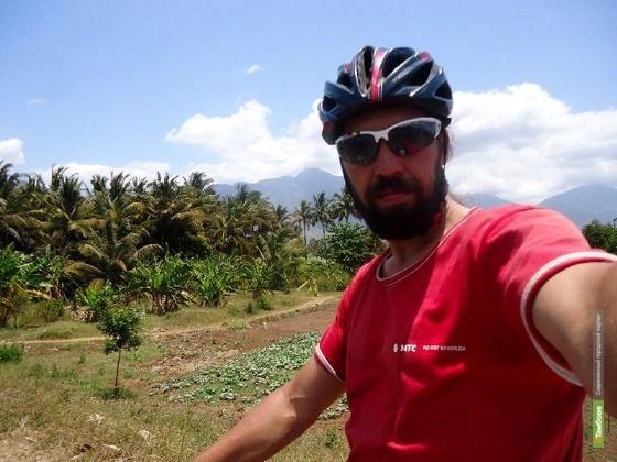 У тамбовского кругосветника Александра Осипова в Кении украли очки