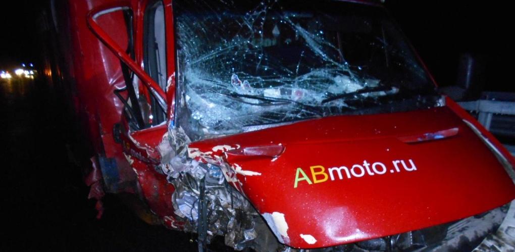 На М6 после столкновения с грузовым авто погиб молодой водитель «семёрки»