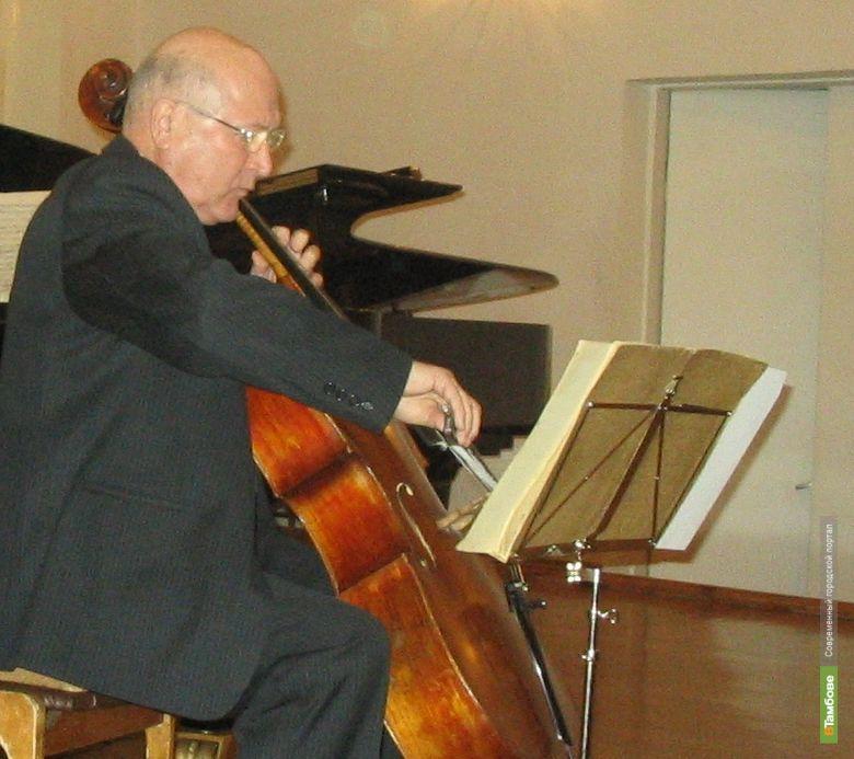 Михаил Кустов сыграет камерный концерт для избранных
