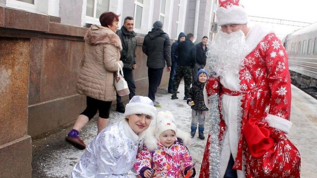 В Мичуринске свой полицейский Дед Мороз. Что он дарит детям?