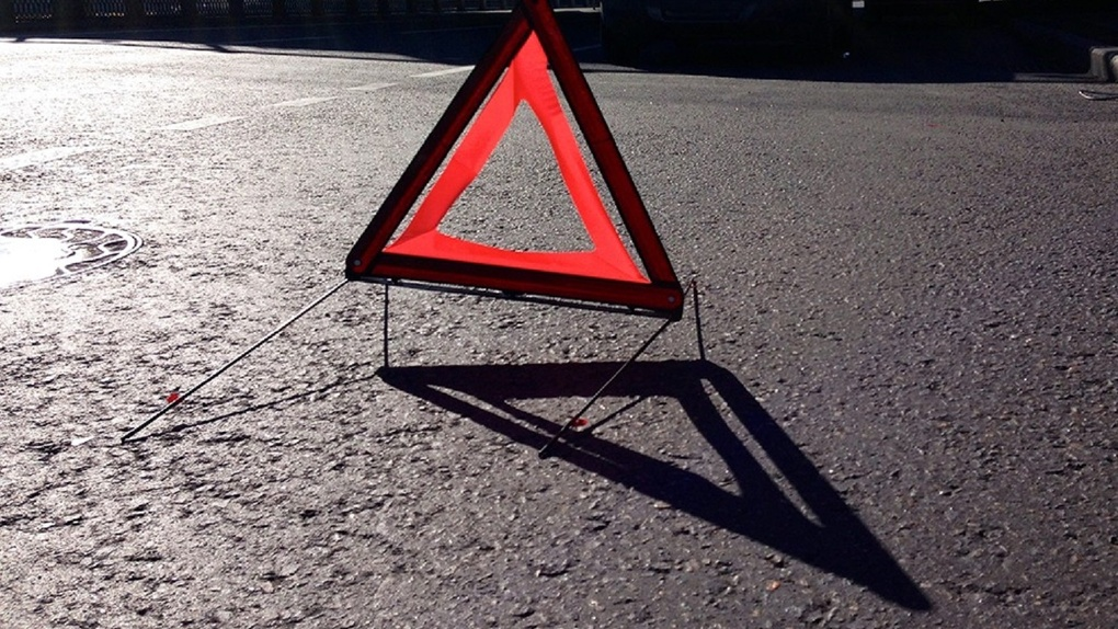 Пять человек погибли в ДТП в Тамбовской области: легковушка столкнулась с грузовиком