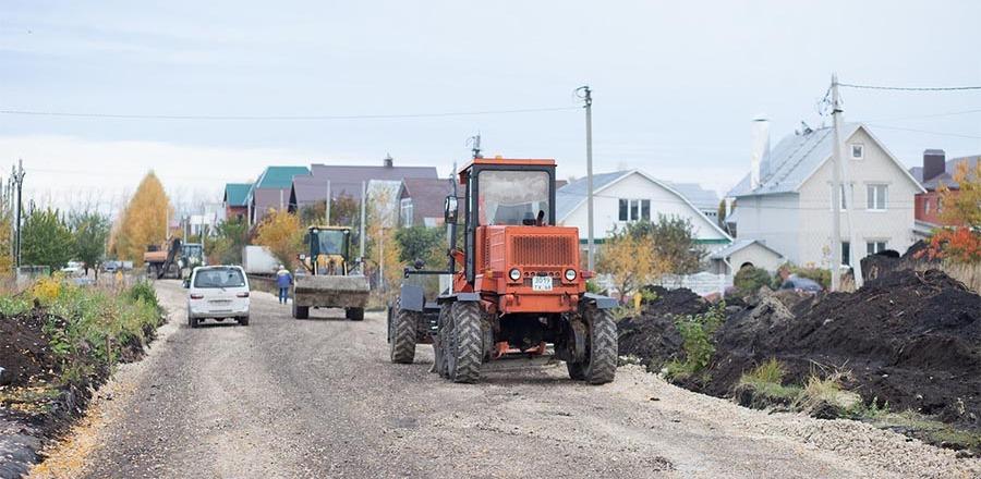 Дороги в Радужном обещают достроить до 1 ноября